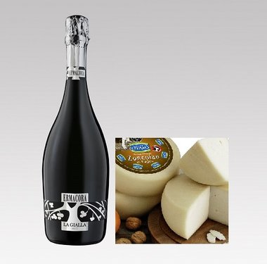 Italiaanse mousserende wijn met geitenkaas