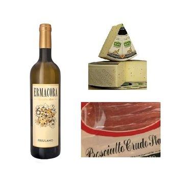 Italiaanse witte wijn met ham San Daniele en Montasio kaas