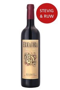 Italiaanse stevige rode wijn Refosco